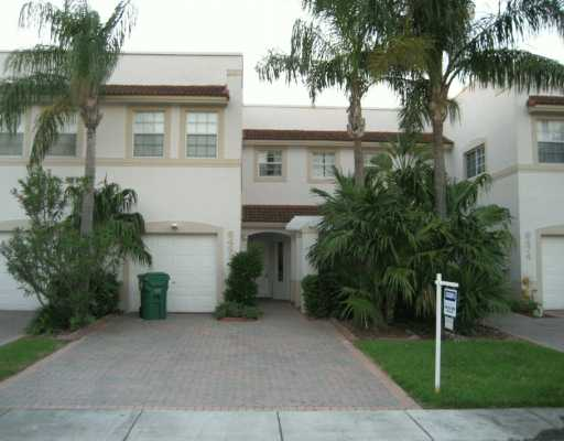 Townhouse In Doral Isles For Sale By Owner
